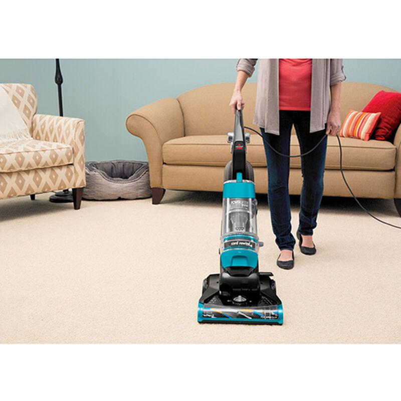Powerlifter Rewind Vacuum 1413 vacuuming