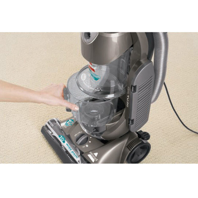 Momentum Cyclonic Vacuum 3910T Dirt Cup Removal