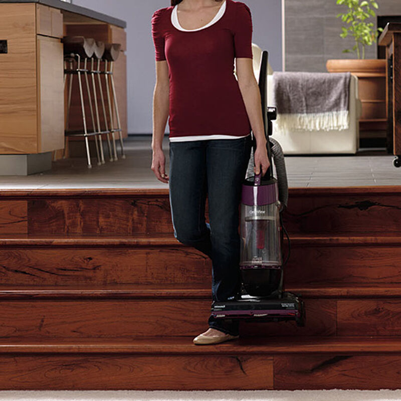 Cleanview OnePass Upright Vacuum 9595 Lightweight Design