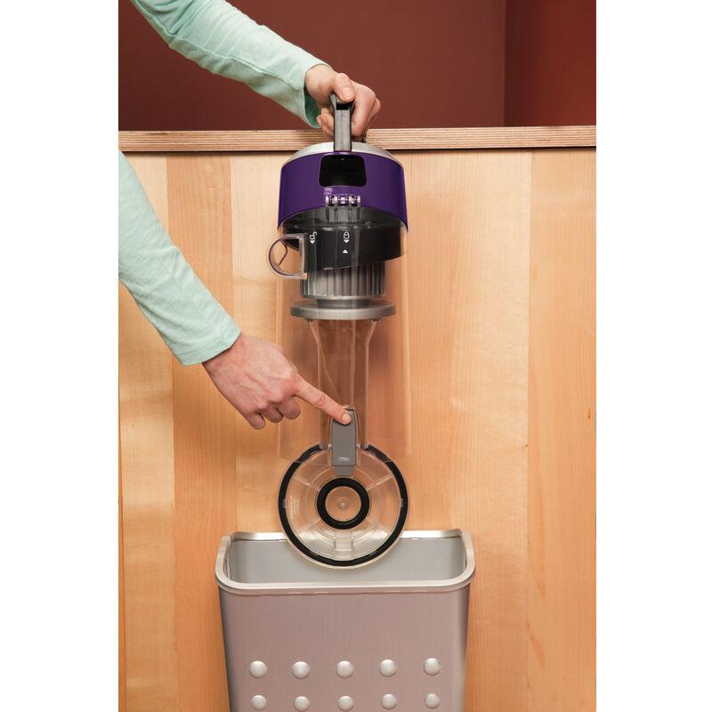 CleanView Plus Vacuum 1334 Emptying Dirt Tank