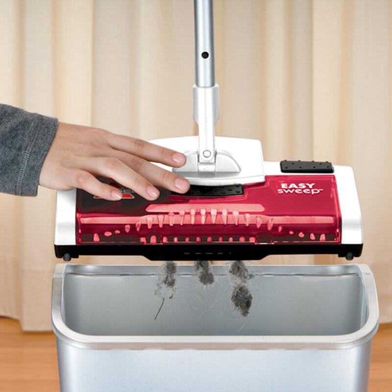 EasySweep Carpet Sweeper 15D1K emptying