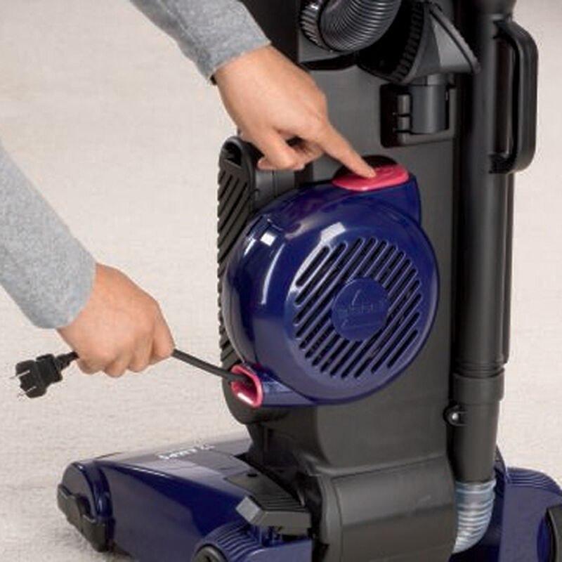 Rewind Cleanview Pet Vacuum 18m9w cord rewind