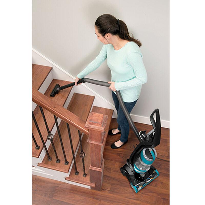 Powerlifter Rewind Vacuum 1413 stair cleaning