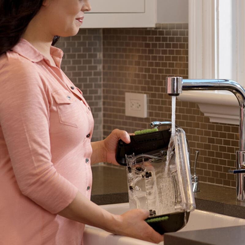 DeepClean ProHeat 2X Professional Pet Carpet Cleaner 17N49 Filling Clean Water Tank